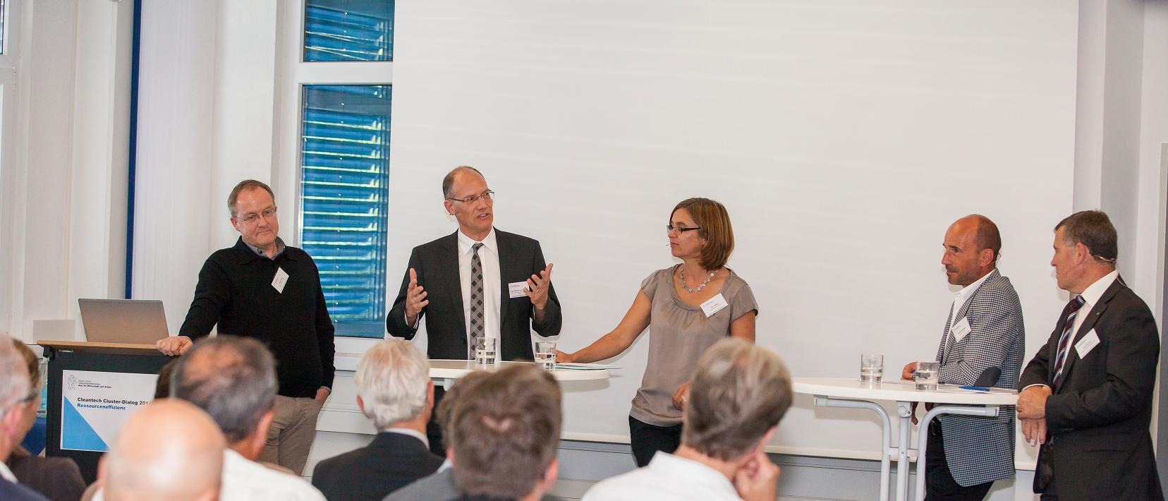 Diskussion am Cleantech Cluster-Dialog